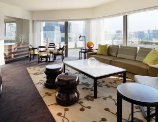 Palace-Hotel-Tokyo-F-Terrace-Suite-LivingRoom